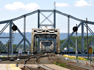 Image, 2005, Railroad Bridge crossing the Columbia at Vancouver, click to enlarge