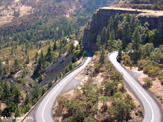 Image, 2005, Historic Columbia River Highway, from Rowena Crest, click to enlarge