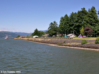 Image, 2005, Cascade Locks Marine Park, click to enlarge