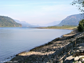 Image, 2003, Columbia River upstream from Rooster Rock, click to enlarge