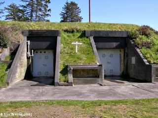 Image, 2005, Battery 246, Fort Columbia State Park, click to enlarge