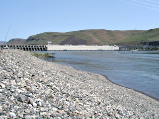Image, 2004, John Day Dam from Cliff Park, click to enlarge
