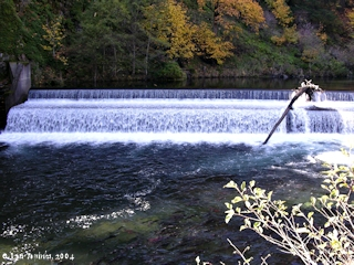 Image, 2004, Falls at Little White Salmon Fish Hatchery, click to enlarge