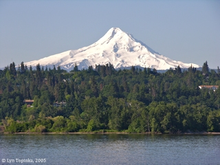 Image, 2005, Mount Hood, Oregon, from Underwood, Washington, click to enlarge