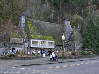 Images, 2005, Multnomah Falls Lodge, Oregon, click to enlarge