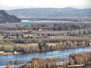 Image, 2004, Puget Island, Cape Horn, and Clatskanie Floodplain, from Bradley Wayside, Oregon, click to enlarge