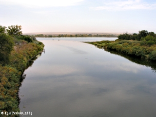 Image, 2003, Umatilla River looking towards the Columbia River, click to enlarge