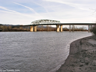 Image, 2004, Cowlitz River towards mouth, click to enlarge