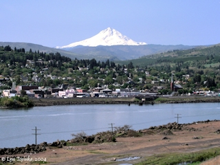 Image, 2004, The Dalles, Oregon, with Mount Hood, click to enlarge
