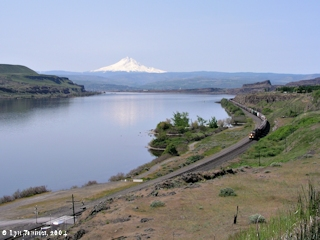 Image, 2004, Lake Celilo, looking downstream towards The Dalles, click to enlarge