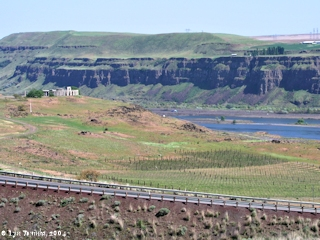 Image, 2004, Stonehenge Memorial sitting on the banks of the Columbia River, click to enlarge