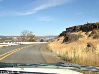 Image, 2005, Near Rowena Crest, Historic Columbia River Highway, click to enlarge
