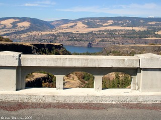 Image, 2005, Historic Columbia River Highway, Rowena Dell, Oregon, click to enlarge