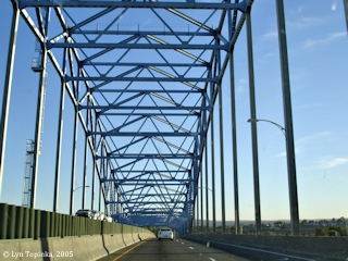 Image, 2005, On the Blue Bridge driving towards Kennewick, click to enlarge