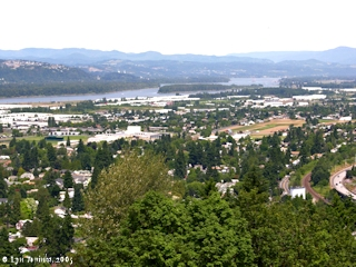Image, 2005, Columbia River looking upstream from Rocky Butte, click to enlarge