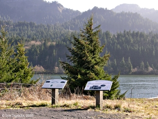 Image, 2005, Fort Rains and the North Bank Railroad information signs, click to enlarge