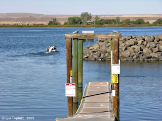 Image, 2005, Boat Dock, Irrigon, Oregon, click to enlarge