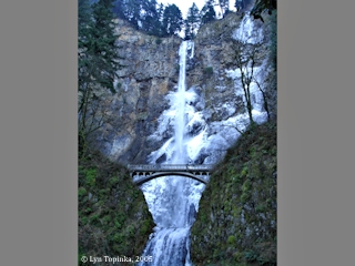 Images, 2005, Multnomah Falls, Oregon, click to enlarge