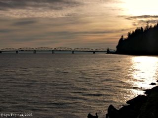 Image, 2005, Point Ellice from Megler Rest Area, click to enlarge