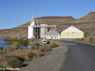 Image, 2005, Port Kelley grain elevator, click to enlarge