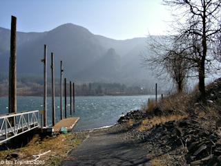Image, 2005, at Skamania Landing looking across, click to enlarge