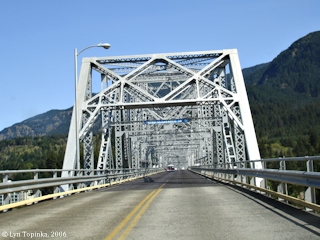 Image, 2006, Crossing the Bridge of the Gods, click to enlarge