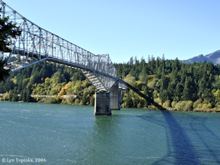 Image, 2006, Bridge of the Gods, click to enlarge