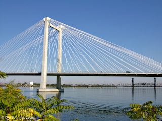 Image, 2006, Cable Bridge from Clover Island, Washington, click to enlarge