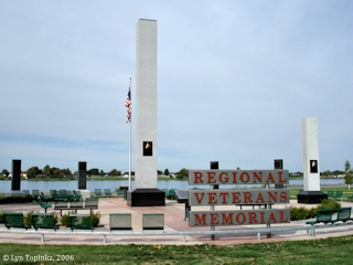 Image, 2006, Regional Veterans Memorial, Columbia Park, click to enlarge