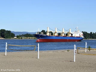 Image, 2006, Columbia River from Frenchman's Bar Park, Vancouver, Washington, click to enlarge