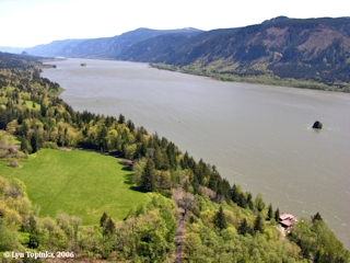 Image, 2006, Columbia River looking upstream from Cape Horn, click to enlarge