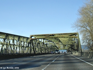 Image, 2006, Interstate 5 bridge across Lewis River, click to enlarge