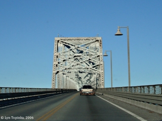 Image, 2006, On the Lewis and Clark Bridge, click to enlarge