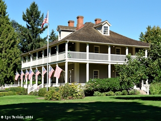 Image, 2006, Grant House on Officers Row, click to enlarge