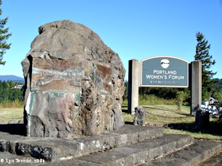 Image, 2006, Portland Women's Forum Scenic Viewpoint Sign, click to enlarge
