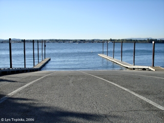 Image, 2006, Ryan Point boat dock, Washington, click to enlarge