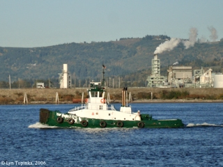 Image, 2006, Tug boat, as seen from Rainier, Oregon, click to enlarge