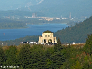 Image, 2006, Vista House from Chanticleer Point, click to enlarge