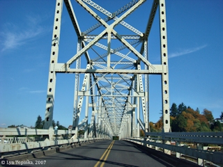 Image, 2007, Cathlamet Bridge, click to enlarge