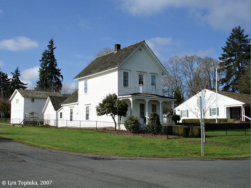 Image, 2007, Caples House, Columbia City, Oregon, click to enlarge