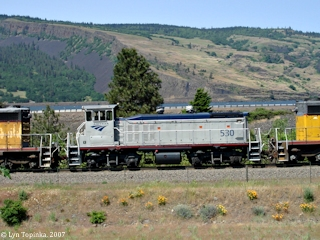 Image, 2007, Amtrak Yard Switcher 530, Mosier, Oregon, click to enlarge