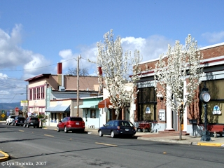 Image, 2007, Pioneer Street, Ridgefield, Washington, click to enlarge