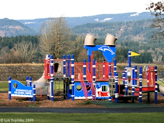 Image, 2009, Playground, Cascade Locks Marine Park, Oregon, click to enlarge