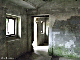 Image, 2009, Battery Russell, Fort Stevens State Park, click to enlarge
