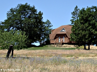 Image, 2009, Octagonal House, Mosier, Oregon, click to enlarge