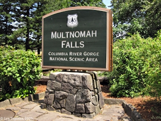 Image, 2009, Multnomah Falls, Oregon, click to enlarge