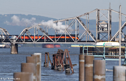 Image, 2011, SP4449 Steam Engine, Vancouver railroad bridge, click to enlarge