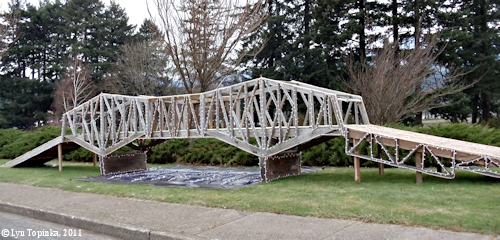 Image, 2011, Bridge of the Gods Model, Cascade Locks, click to enlarge