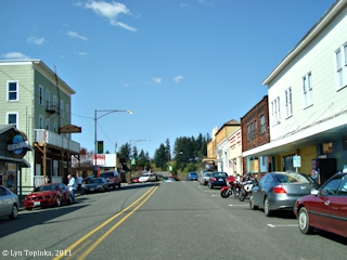 Image, 2011, Cathlamet, Washington, street scene, click to enlarge