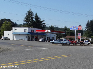 Image, 2011, Deer Island Store, Deer Island, Oregon, click to enlarge